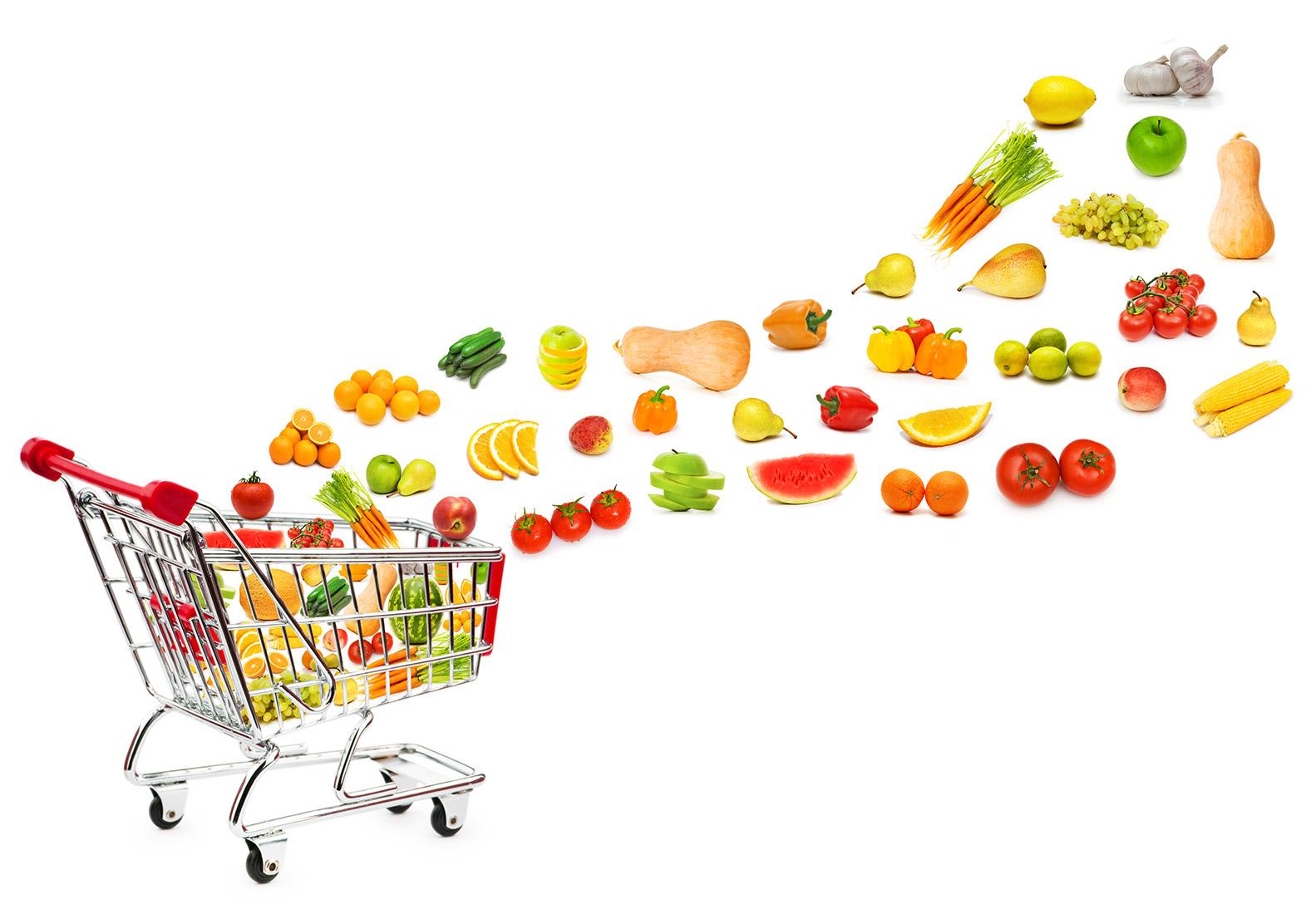 Einkaufskorb mit Gemüse und Früchten